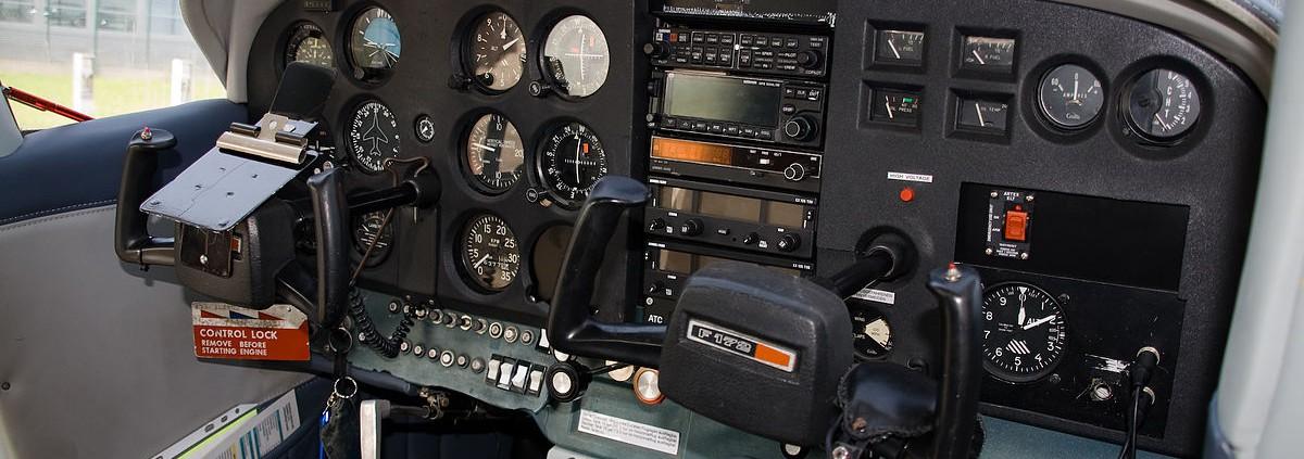Cockpit_Cessna_F172